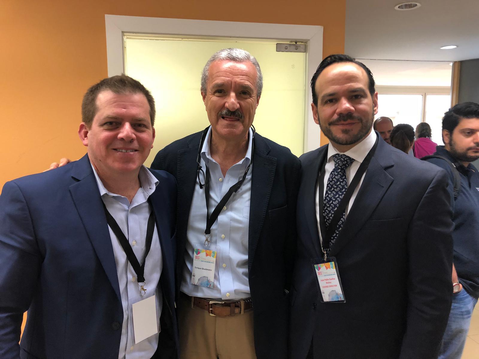 Con los Doctores Dueñas (Colombia) y Fernandez Ranvier del Hospital Mont Sinai de Nueva York.